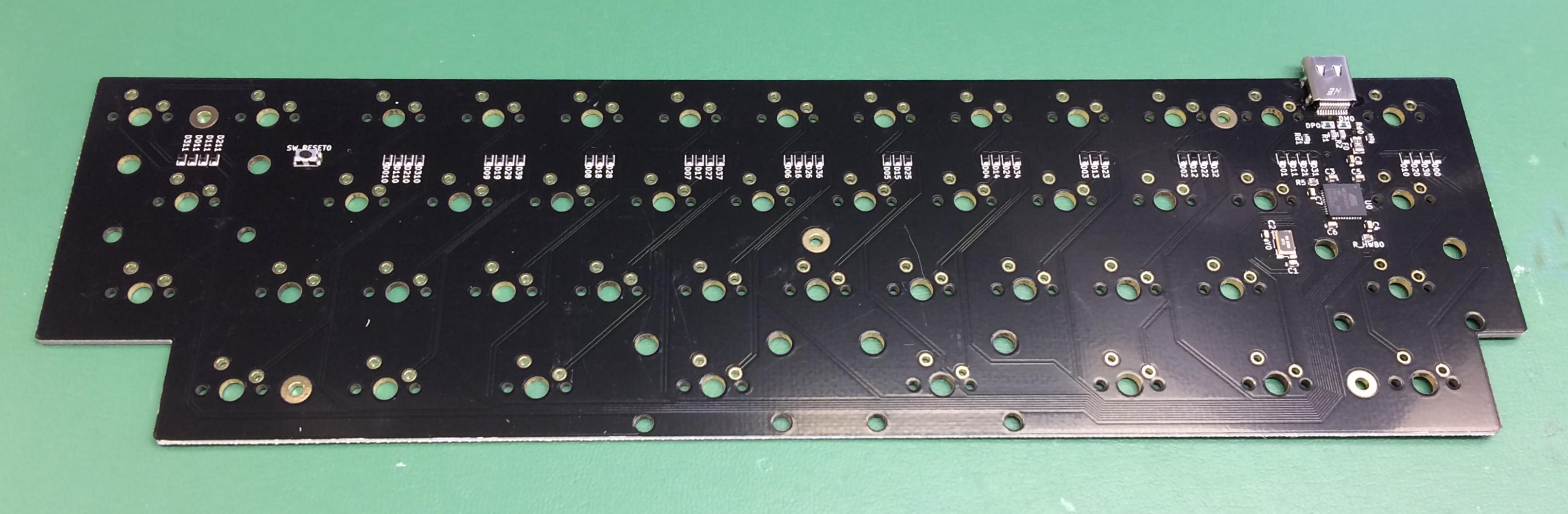 TtocyobItna PCB back