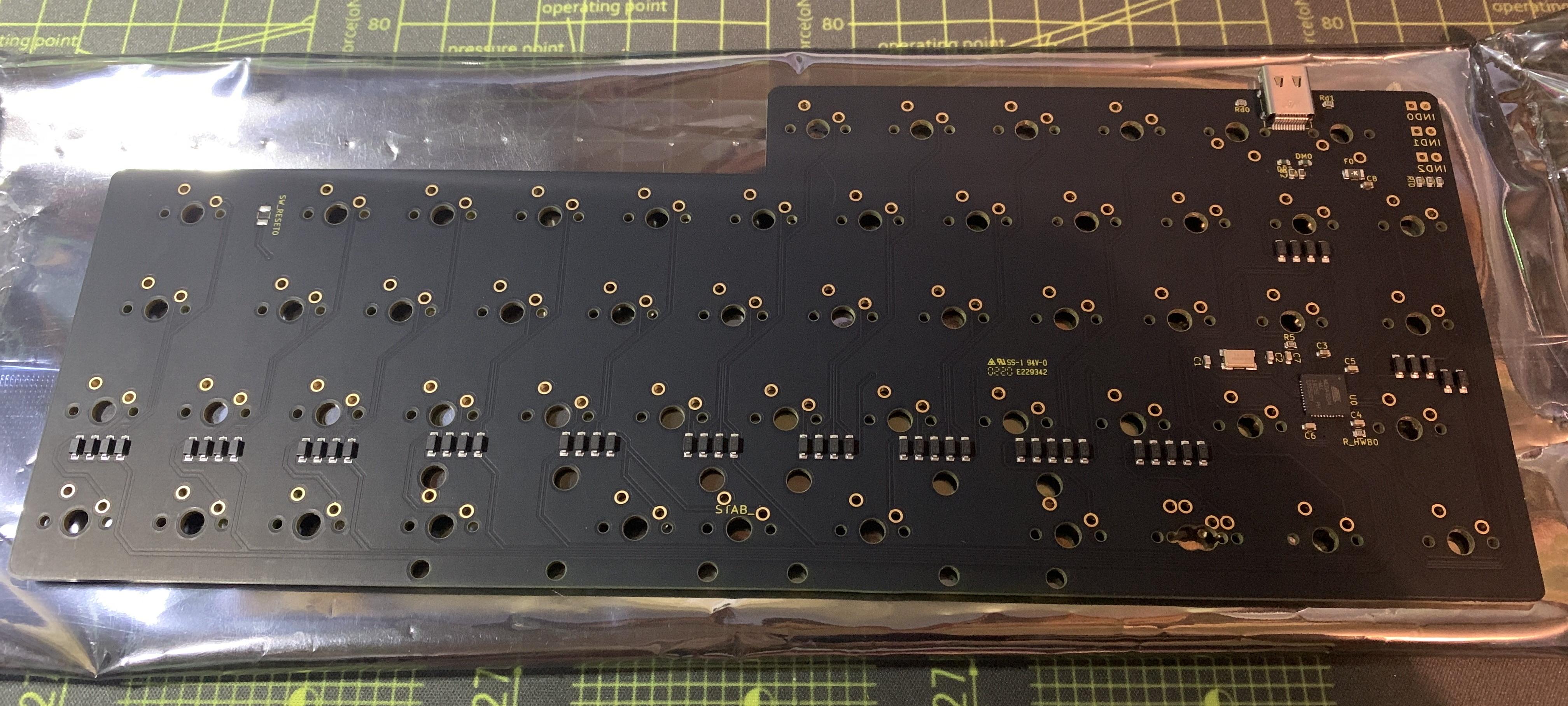 V4N4G0N R1 PCB back